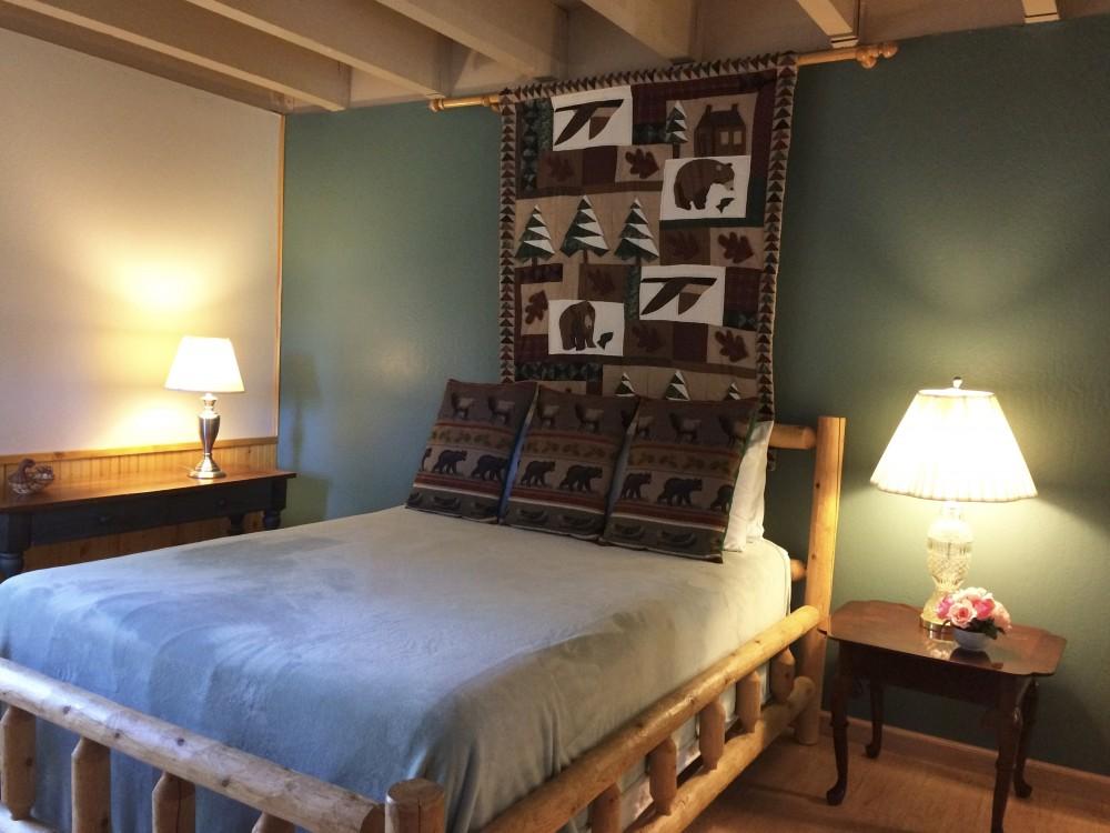 Bedroom 3 - Queen size bed Airbnb Alternative Glenbrook Nevada Rentals