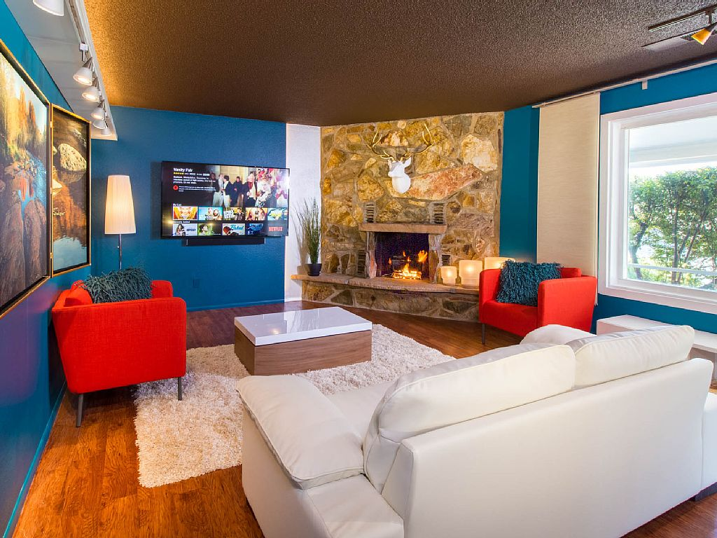 Cherryhill Downtown Haus - Shiny New!