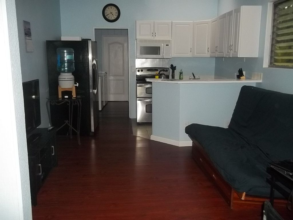 Centrally located charming home, sleeps 4