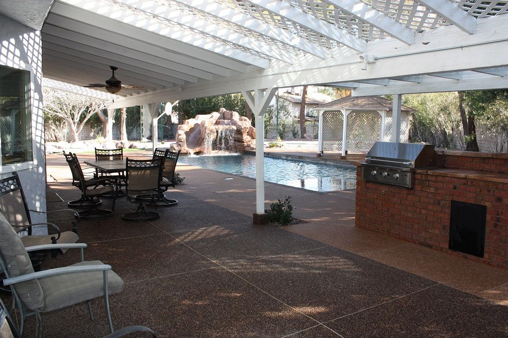 Family Friendly 3500 Sq Ft 5 Bed 4.5 Bath Pool, Spa, 2 Miles From Strip