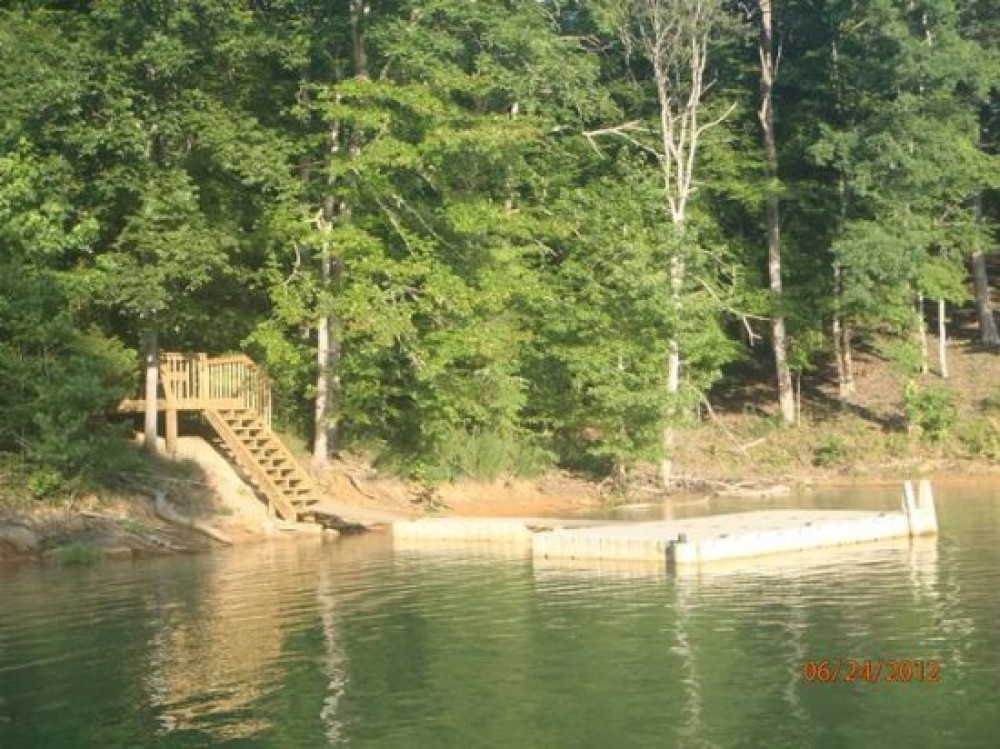 New Tazewell vacation rental with Other side of the mountain Boat dock