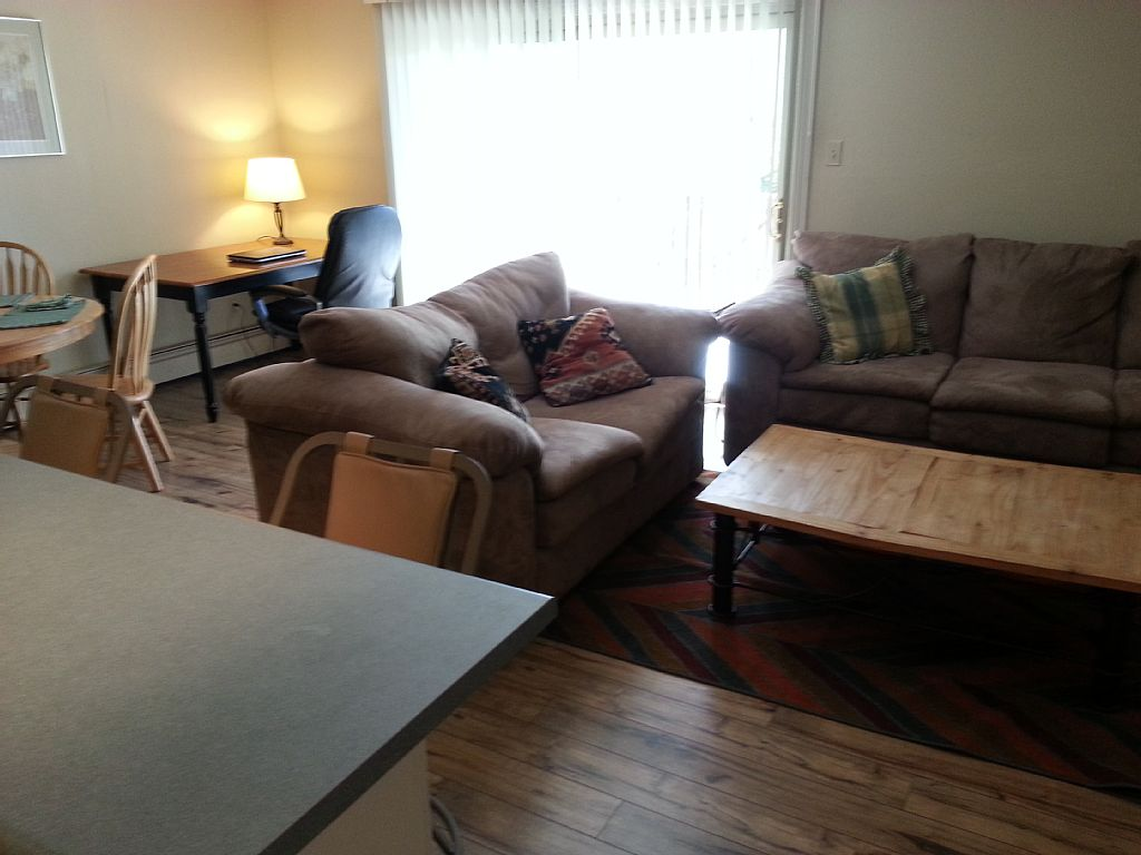 Lowest Rate in Summit County for the Single Traveler! (Bed #2 0f 8)