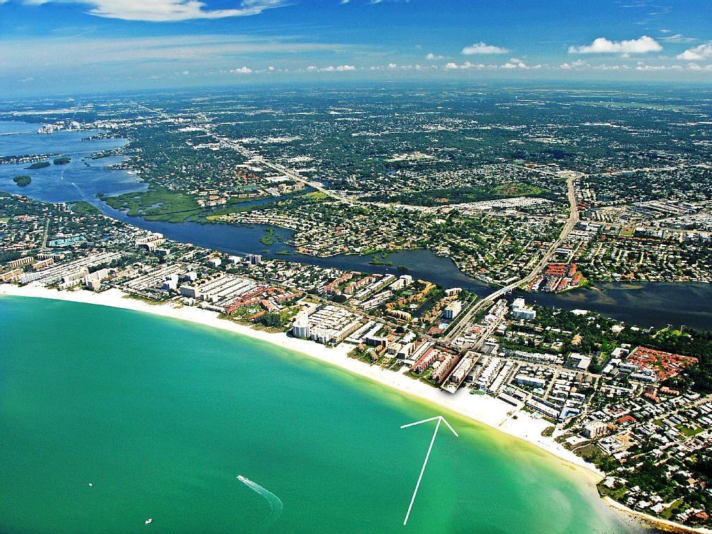 SEA SHELL - Siesta Key Beachfront Vacation Condo complex on Crescent Beach - 2BR