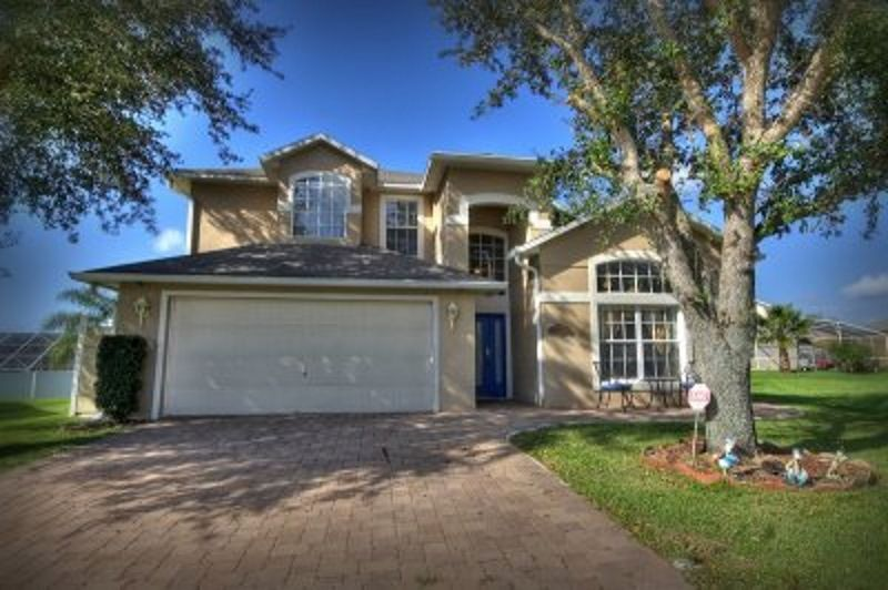 Beautiful 6 bedroom home minutes from Walt Disney World