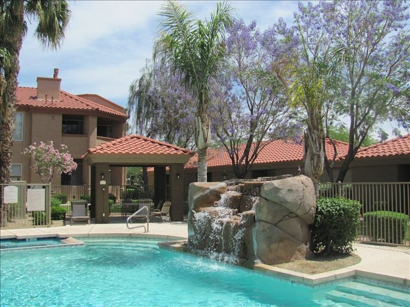 2bed/2bath:Gated Complex in North Phoenix