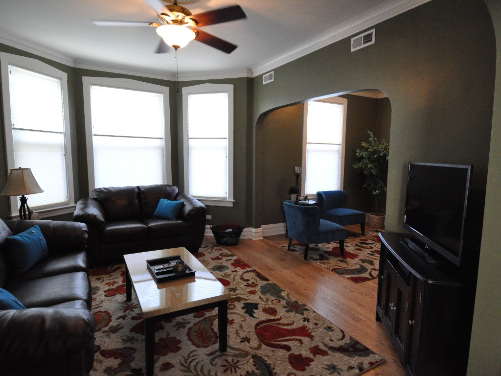 2 Bed Short Term Rental Apartment Chicago