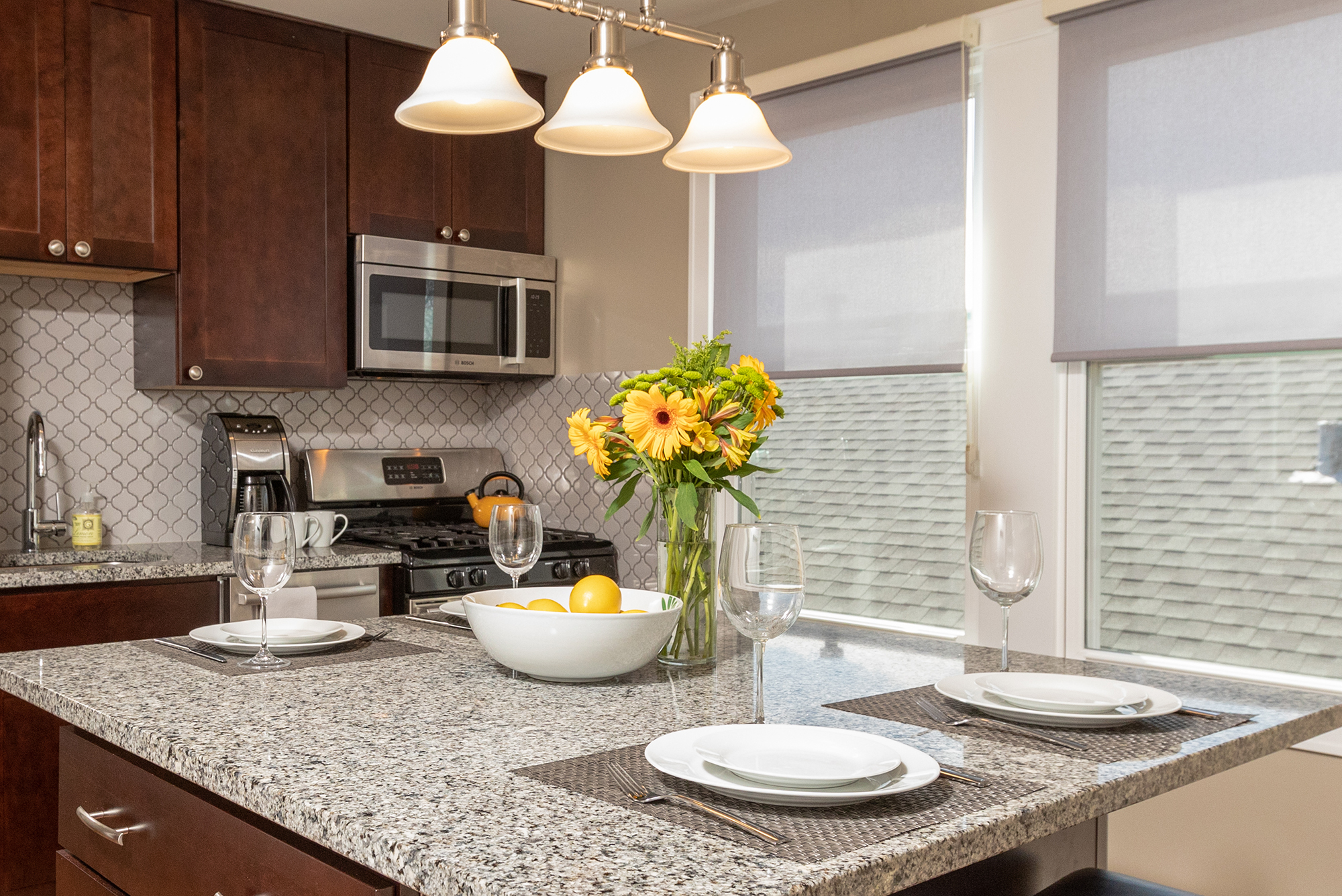 Chicago vacation rental with View of Eat-in kitchen