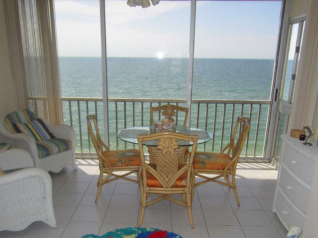 Direct Gulf-Front Beach Condo - with Boat Dock on Intercoast