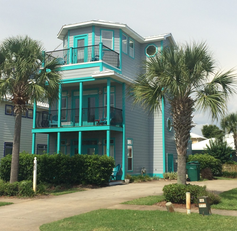 Destin vacation rental with 3 Story House, Painted last year, pressure washed this year (pool deck too)