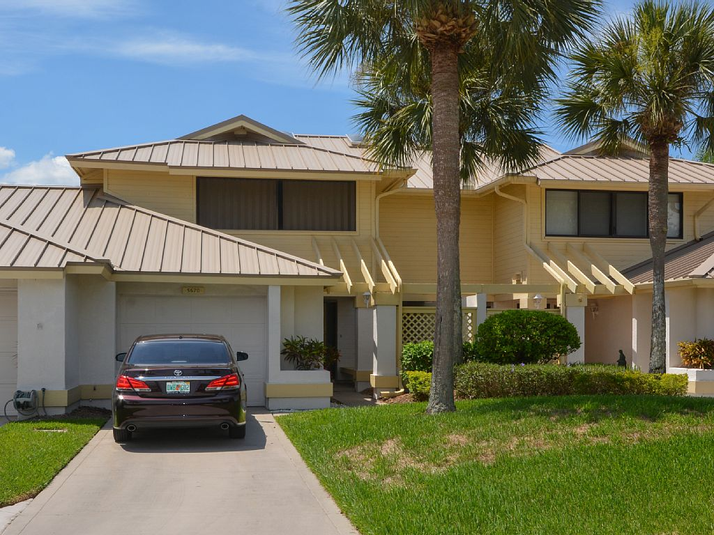 Newly Renovated 2 Story Townhouse in Mariner Sands Country Club in Stuart, Fl