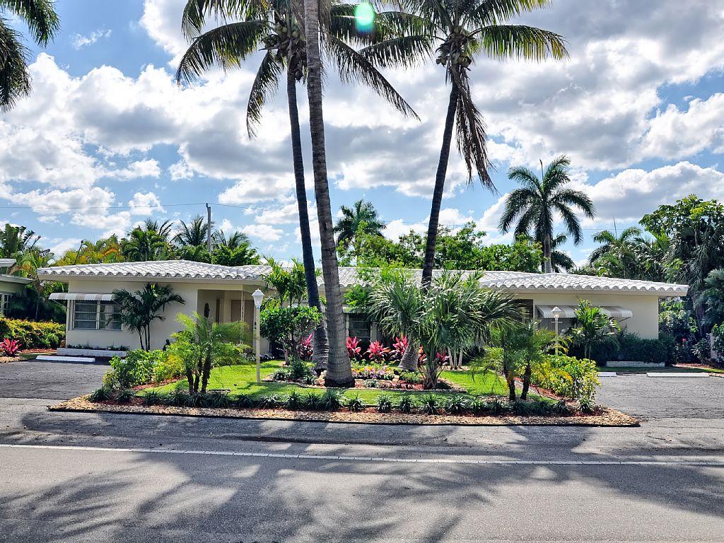 Fort Lauderdale Beach Villa With Pool, Walk to Beach, Perfect Beach Getaway