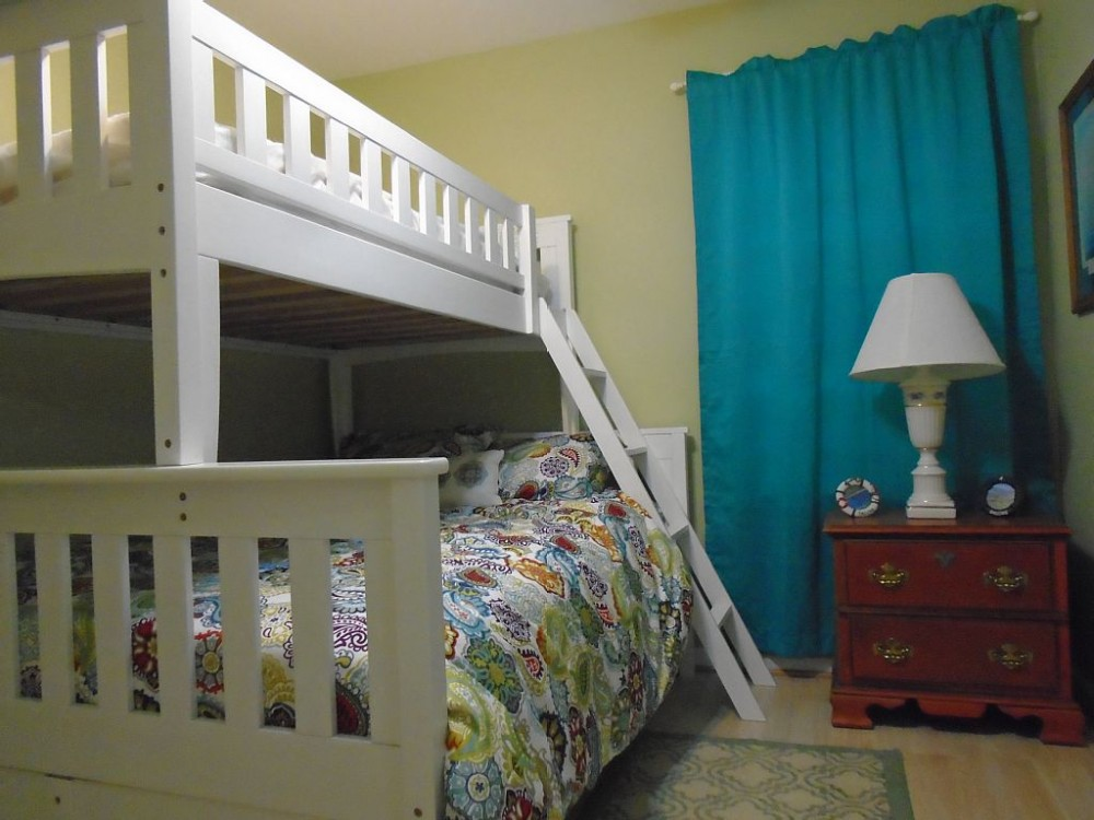 Vacation Cottage Nestle in the Pine Trees of Ocean Pines  Share