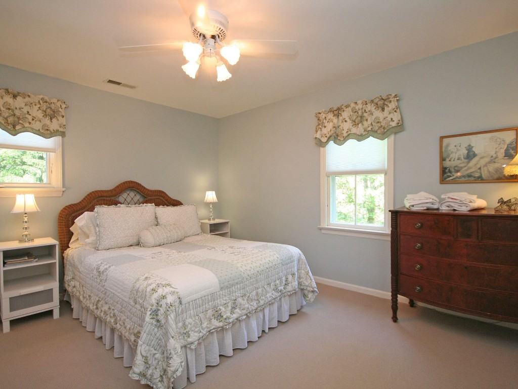 Newtown vacation House rental