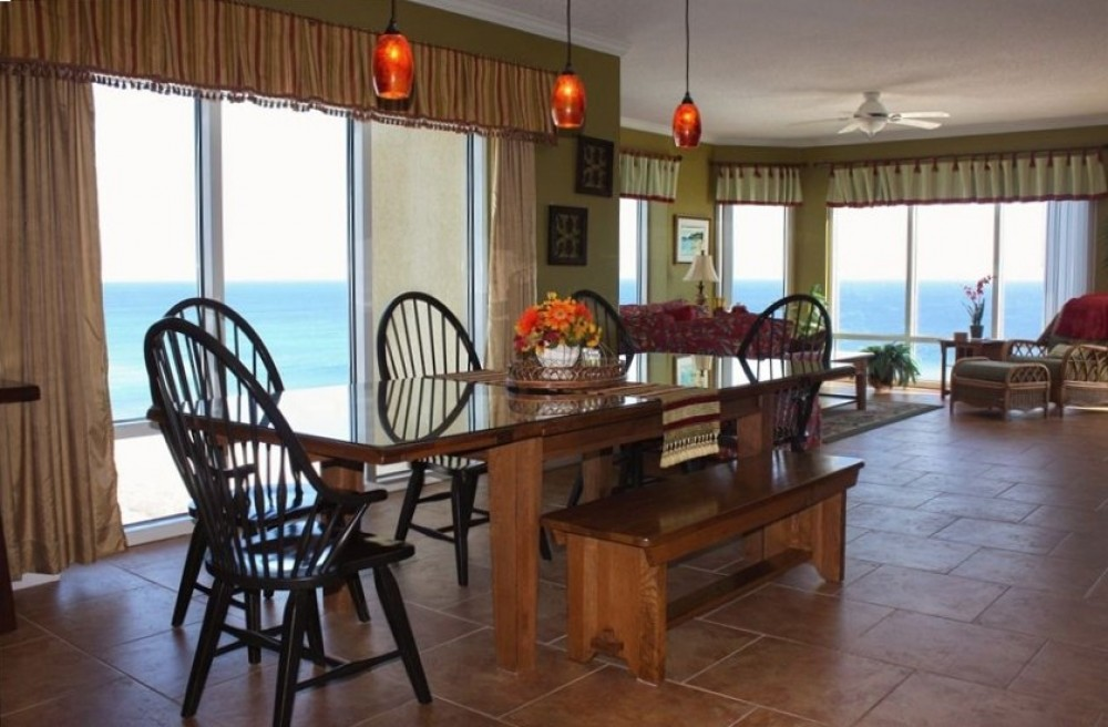 Pensacola Beach vacation rental with Enjoy meals over looking the Gulf of Mexico