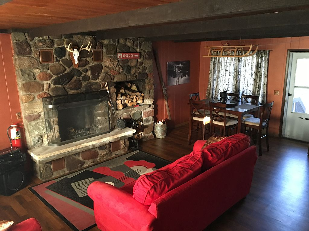 Wherle Lodge - 4 season destination lodging in Big Snow Country Western U.P.