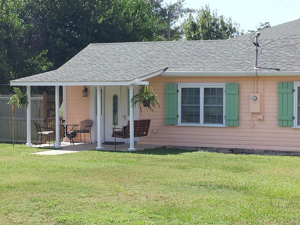 2 Bed Short Term Rental Cottage Bay Saint Louis