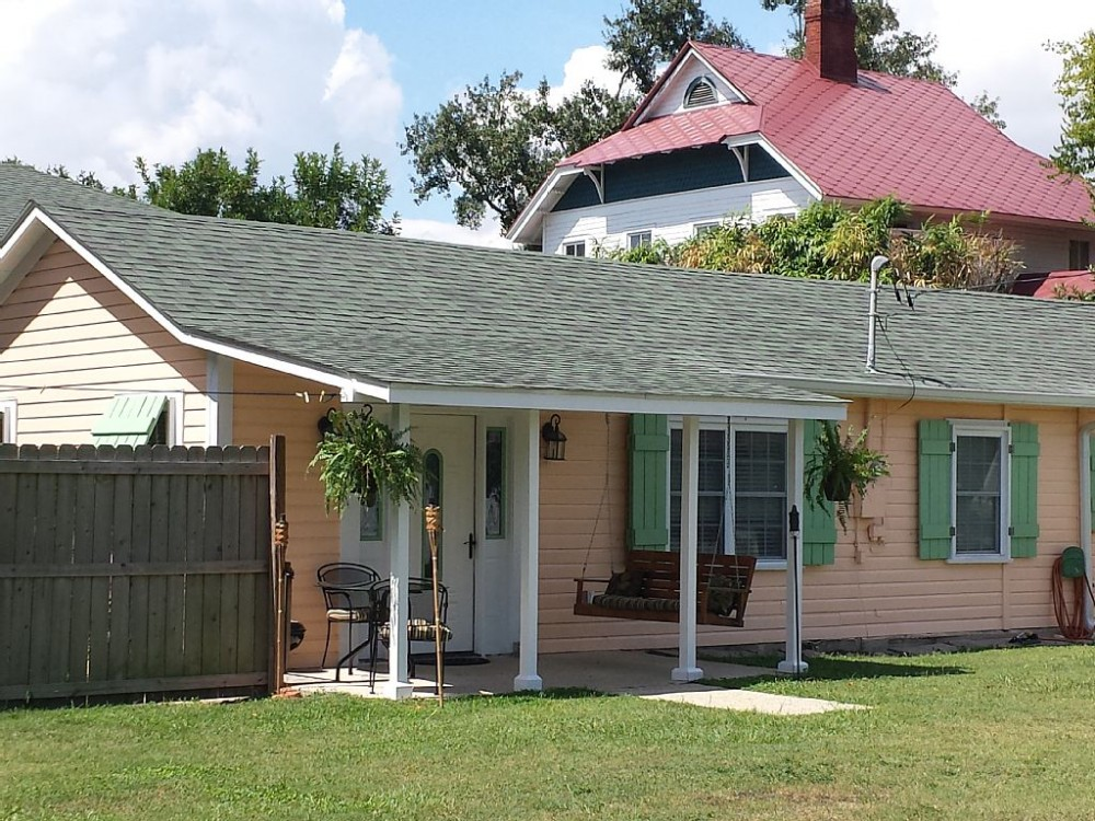 Life'S a Beach Cottage: Walking Distance to All the Fun in Downtown Bay St Louis