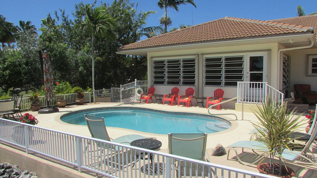 Sun & Fun-Tropical Pool Home - Book now for Spring/Summer & Winter Holidays!