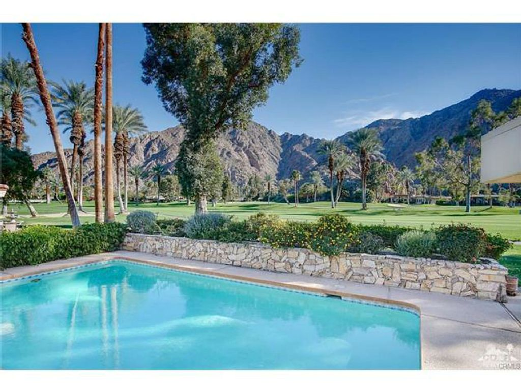 Exclusive Indian Wells Country Club-SOUTH FACING on Golf Course/4BR/ 3BA/ Pool