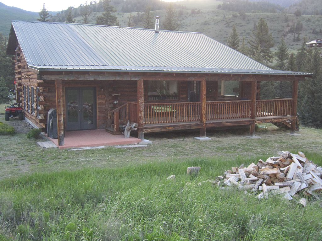 Rio Grande Home-Log Cabin on the River-4 bedroom/2 bath