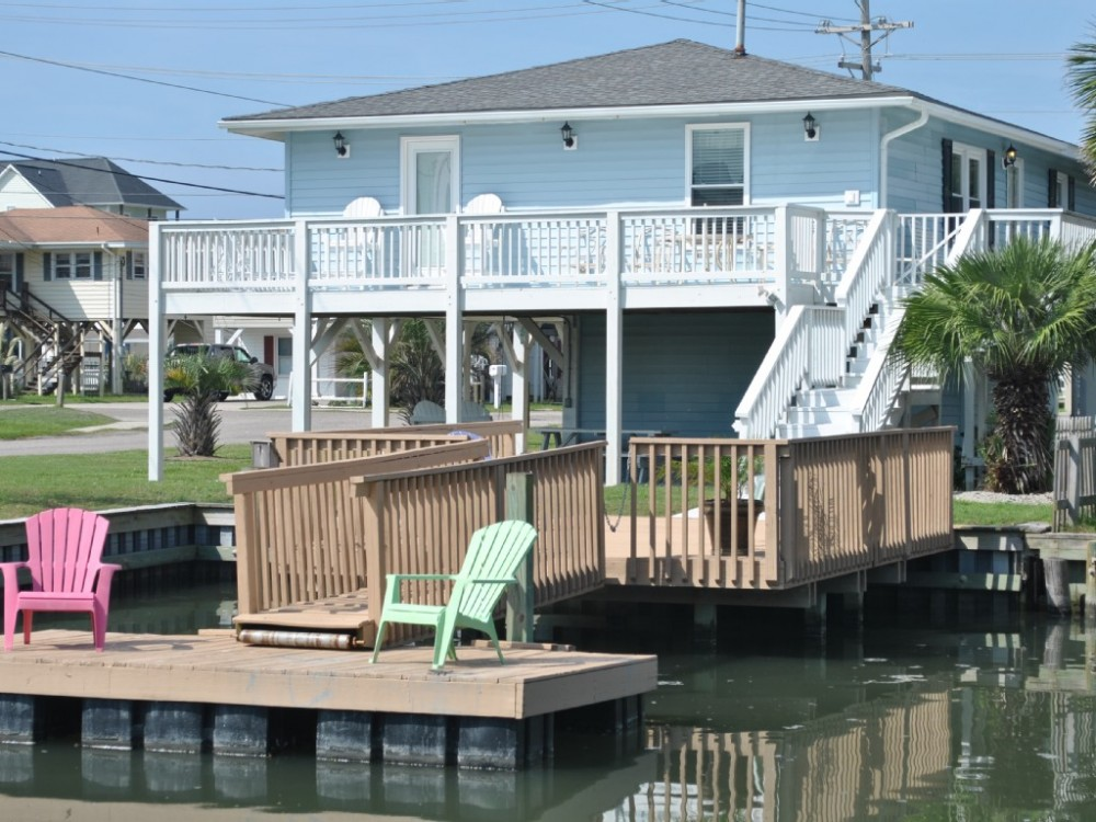 North Myrtle Beach vacation rental with Floating Dock and Sun Decks