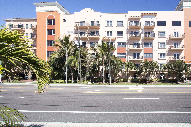 New Luxury Resort Condo - Steps to Gulf Beach, John