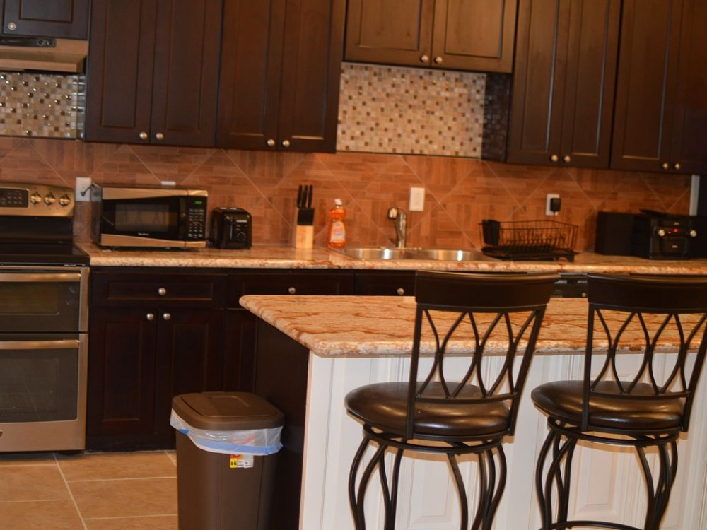 Unit 2/Luxury 3Bed/2.5 Bath Off St. Charles Ave/Mardi Gras Route/Streetcar