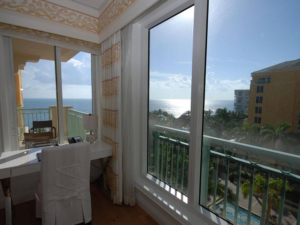 Ritz-Carlton 1 Bdrm Ocean view Res. Suite w balcony