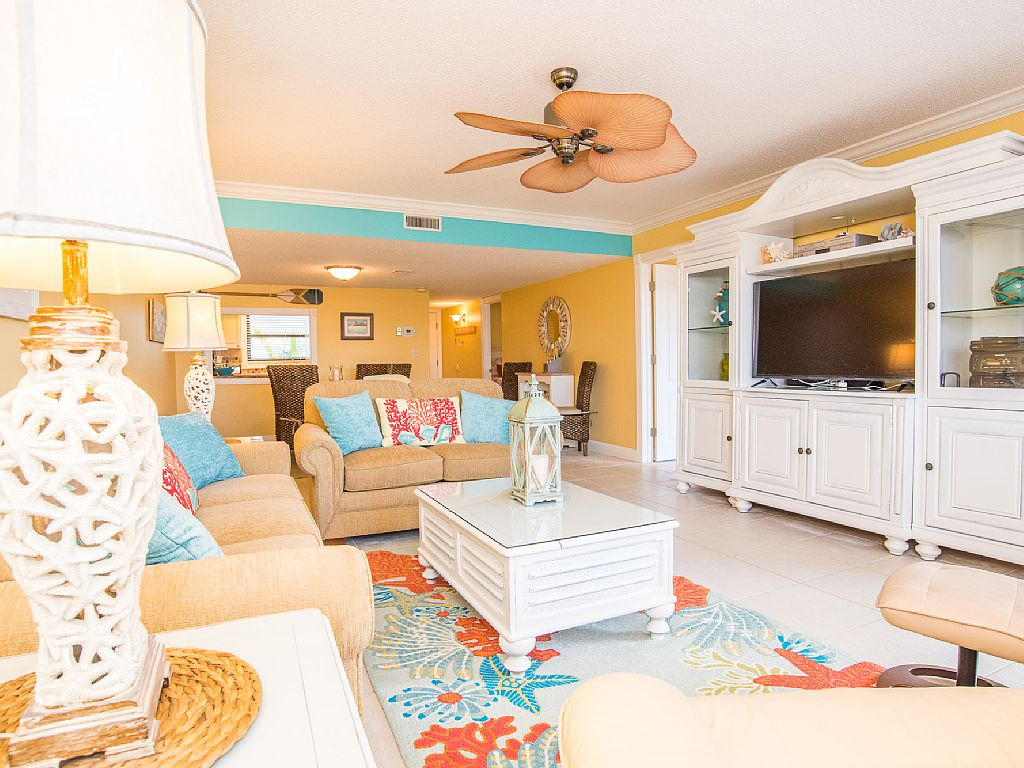 CLOSE TO HEAVEN, Seashell Condo, On The Beach, Newly Remodeled, Great Beach View