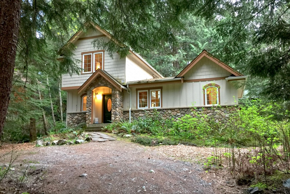 Glacier vacation rental with Front of the house