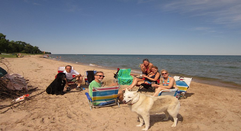 Winter-Summer Getaway! Right on Lake Michigan-15 Mins from Destination Kohler