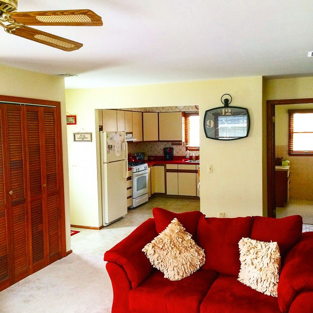 Gorgeous ocean-block and newly renovated beach house with ample amenities