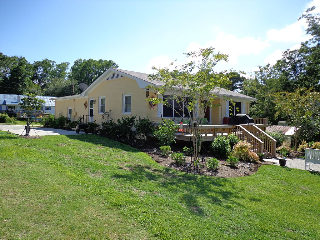 Serenity Cottage -  Waterfront - Private Pier Boat Slip - Dogs w/ Fenced Yard - Pages Creek n  Intracoasral Waterway