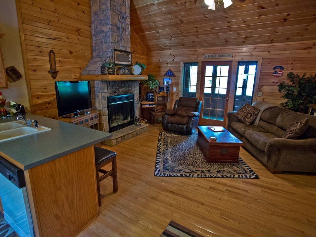 1 Bed Short Term Rental Cabin Branson West