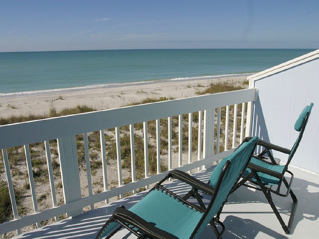Directly On The Gulf of Mexico! Pool, Dockage, Tennis & Pet Friendly! Don Pedro/Palm Island, Florida
