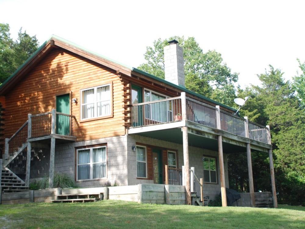 Whispering Hills Cabin on Beaver Lake