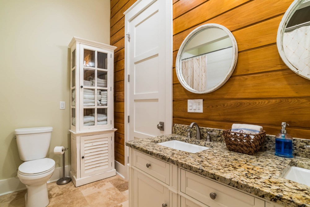 Santa Rosa Beach vacation rental with Bathroom with 2 sink vanity