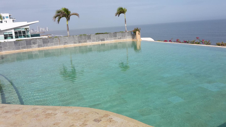 Cartagena Beachfront Apt 8 pp