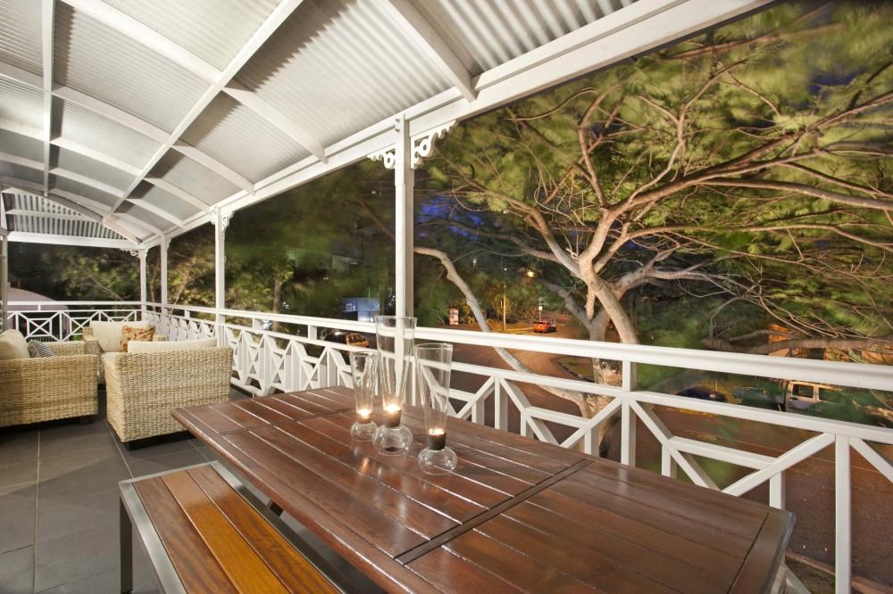 Kangaroo Point vacation rental with