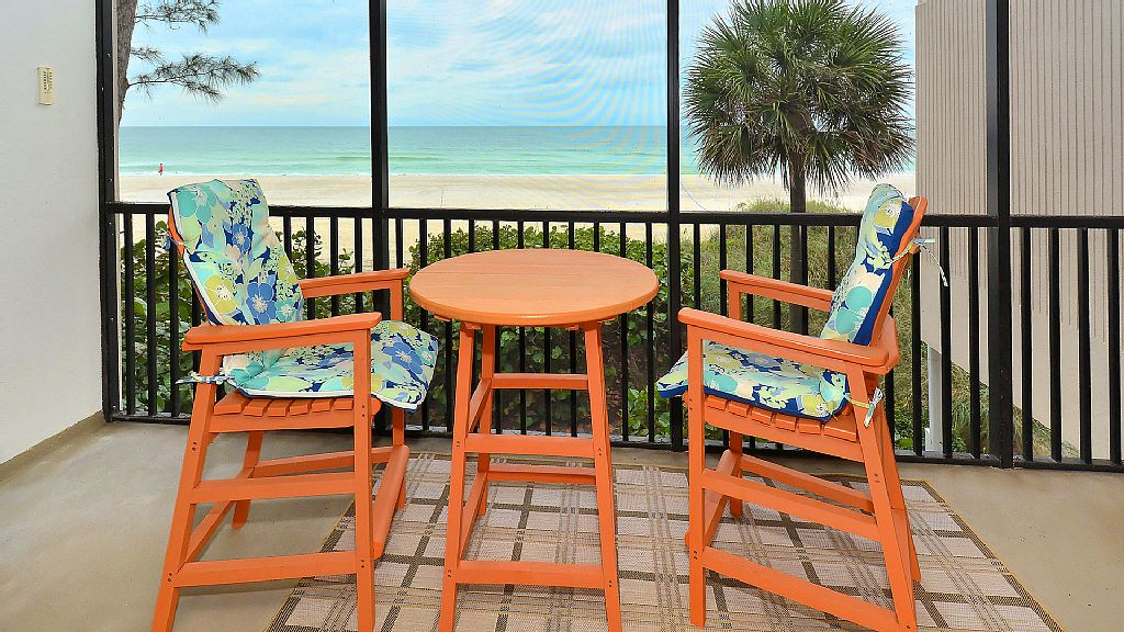 Open April 18-25th Sits on the Sand!! Newly Remodeled Full Gulf View