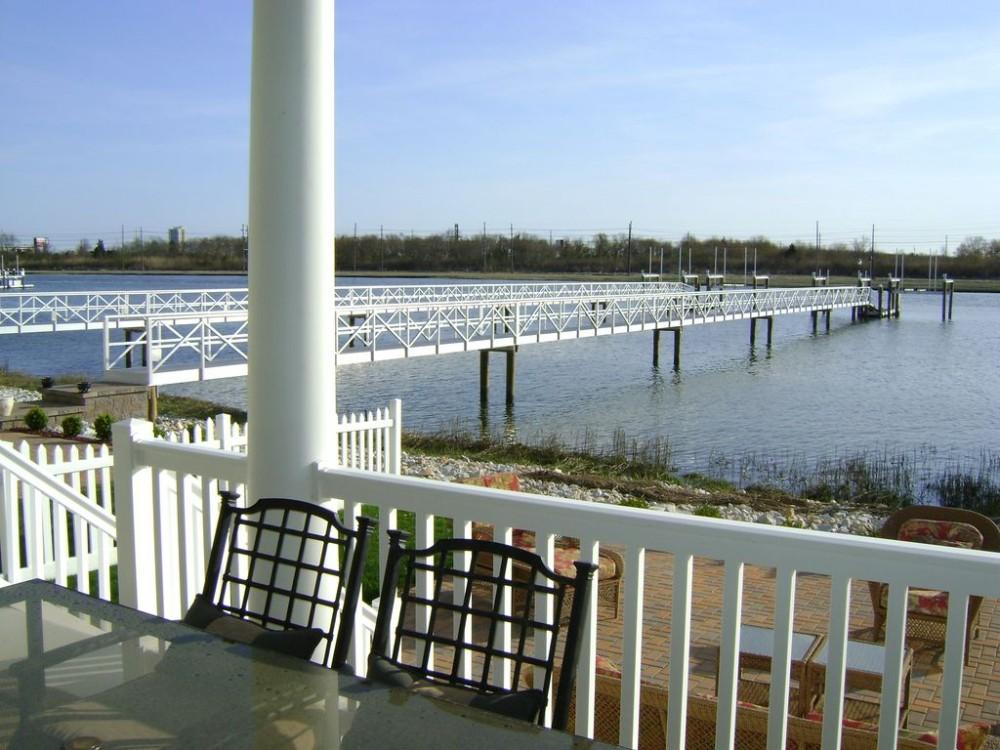 Luxury Bay Front Rental, 4 Decks, Dock, 2 Living Rooms
