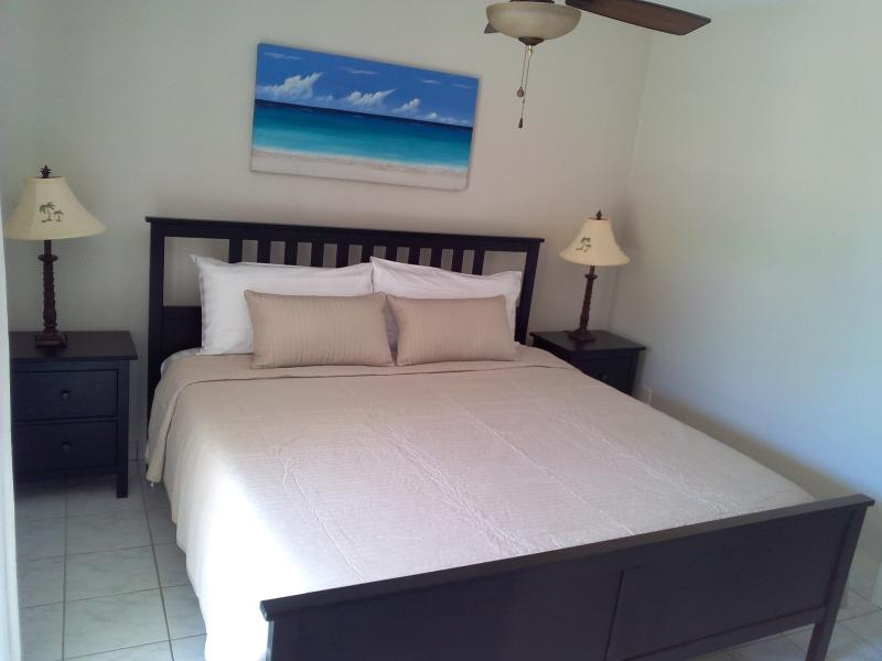 Renovated Townhouse in Grace Bay