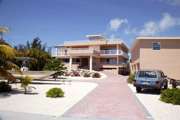 10,000 SF Luxury Sombrero Beach 5 BR and 5 BATH
