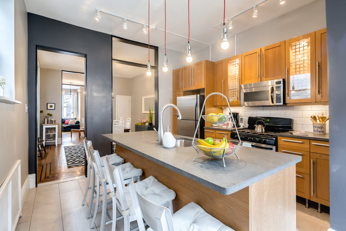 Large 4BR Rowhome in the Heart of Philly!