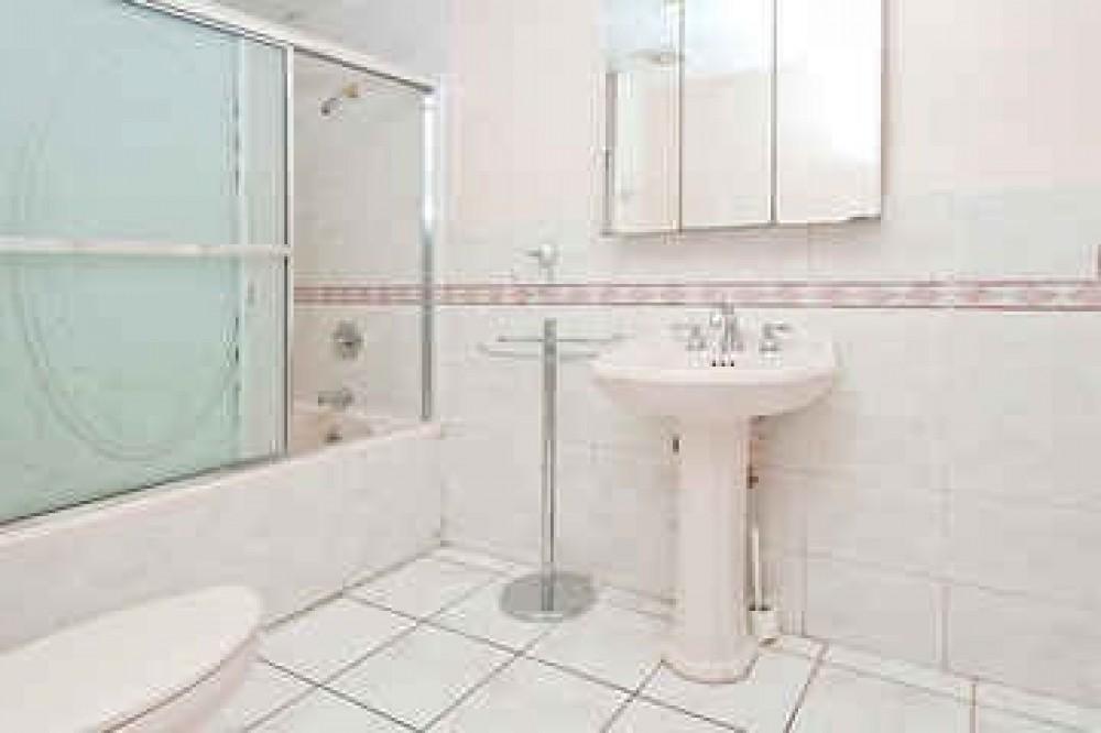 BATHROOM Airbnb Alternative Bushwick New York Rentals