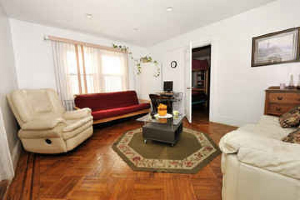Flushing vacation rental with