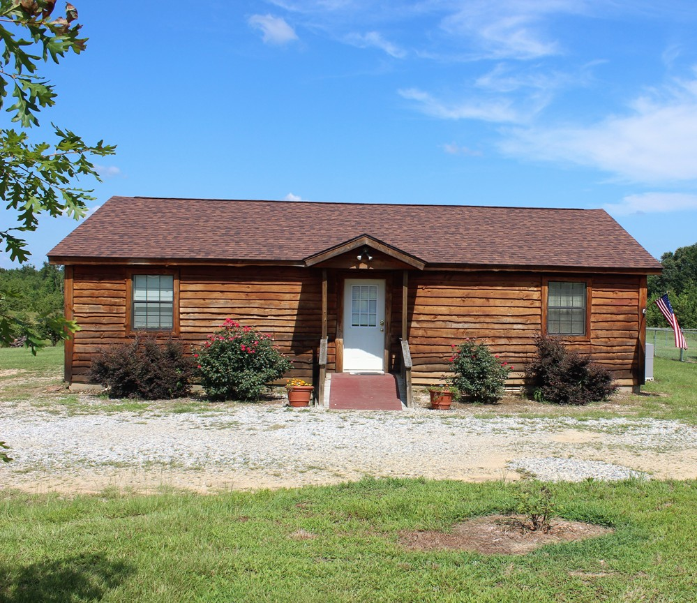 2 Bed Short Term Rental Cabin Murfreesboro