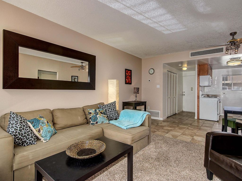 Beautiful Condo 5 Miles From The Heart Of Old Town Scottsdale