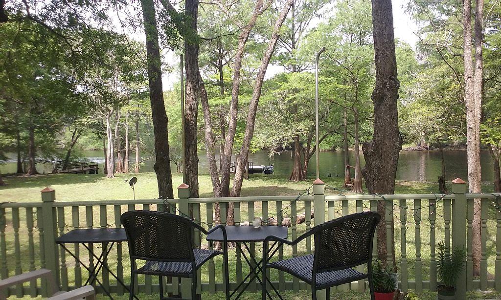 Three Bed/Bath Home on Florida Springs Santa Fe and Itchetucknee River Spring