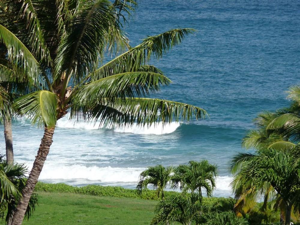 Lahaina vacation rental with Maui sunset from the main lanai